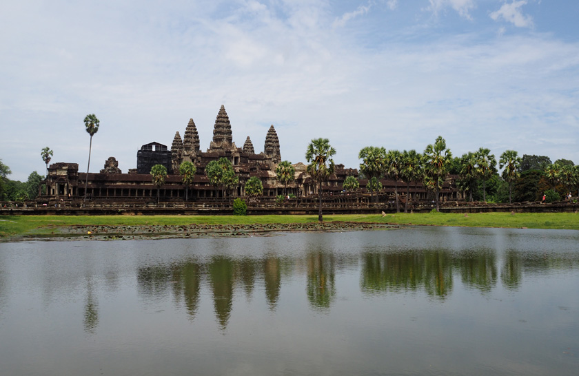 cambodia angkor reflection diethelm 840x546