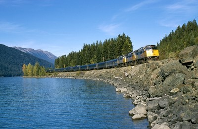 canada via train summer